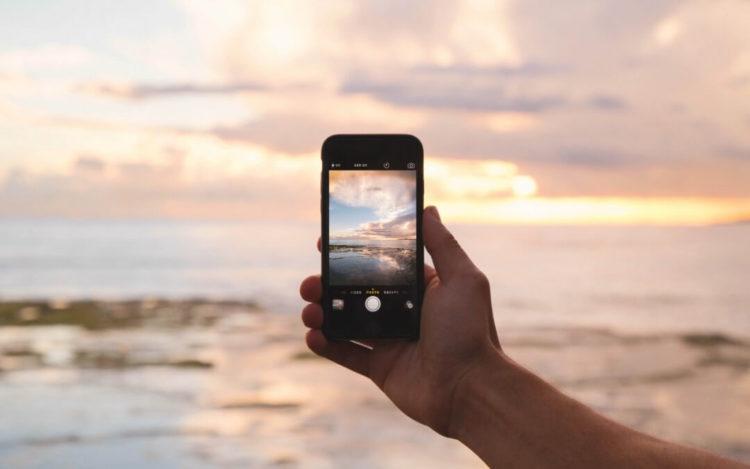 Nômade digital - Pessoa tirando foto